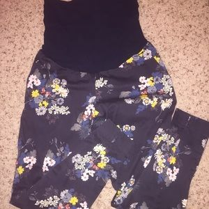 A Pea in the Pod Pants - A Pea in the Pod floral maternity capri's