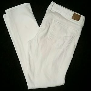 American Eagle Outfitters Denim - American Eagle Jeans - Size 8 Reg - white stretch