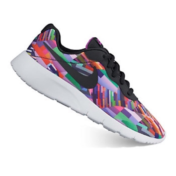 10629a351b Nike Tanjun Print Girls Shoes!!🔥. M_58a7d21113302a99c8033e93