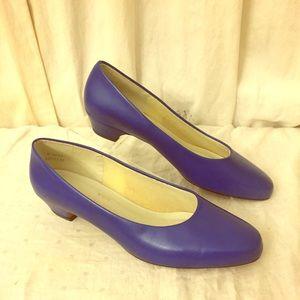 Vintage Shoes - Gorgeous Vintage Royal Blue Shoes Heels Size 10