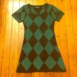 Papillon Dresses & Skirts - Green & Black Geometric Sweater Dress size Medium