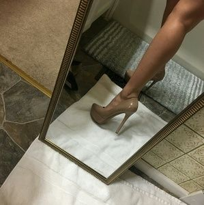 Out of Stock!! Jessica Simpson platform nude heels