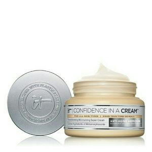 It Cosmetics  Other - It Cosmetics Confidence in a Cream? Moisturizer