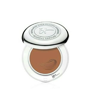 It Cosmetics  Other - It Cosmetics Confidence in a Compact