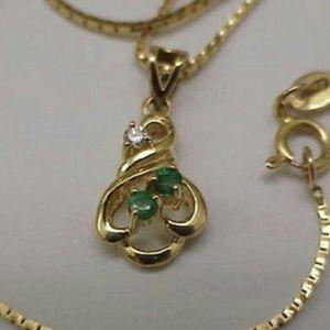 Jewelry - Estate 14k gold diamond emerald pendant