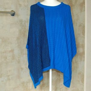 Two by Vince Camuto Jackets & Blazers - TWO by Vince Camuto Blue Colorblock Poncho