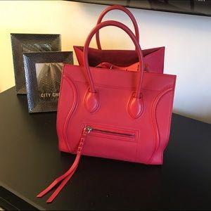 Celine Handbags - 🌹CELINE PHANTOM LUGGAGE HANDBAG🌹