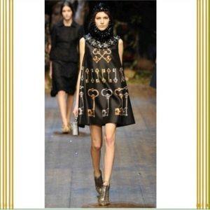 Dresses & Skirts - Key Print Sleeveless Mini Dress M
