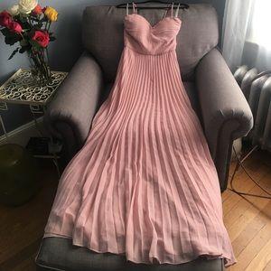 Lulu's Dresses & Skirts - NWOT blush pink dress