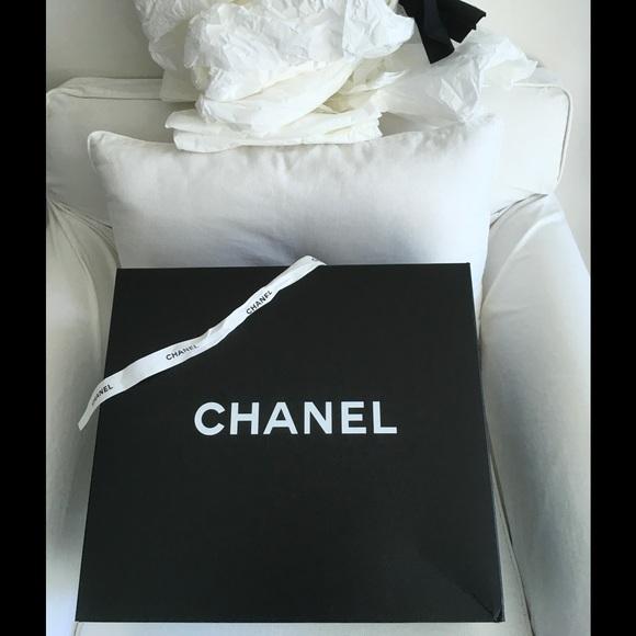 12df39aae9100c M_58a866072ba50ac12a005371. Other Bags you may like. Chanel billfold wallet