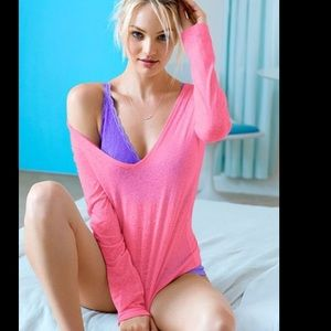 Victoria's Secret Tops - NWT oversized PINK Victoria's Secret basic tee