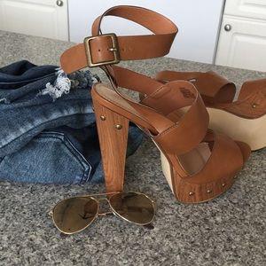 JustFab Shoes - **BRAND NEW JustFab Gustava Tan Sandals Size 10**