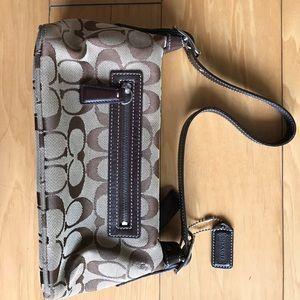 Handbags - Classic Coach Bag