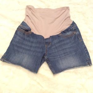 get used by lexi Pants - Stylish Maternity cut off shorts
