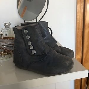 Siaomimi Other - Toddler leather boots. Size 10