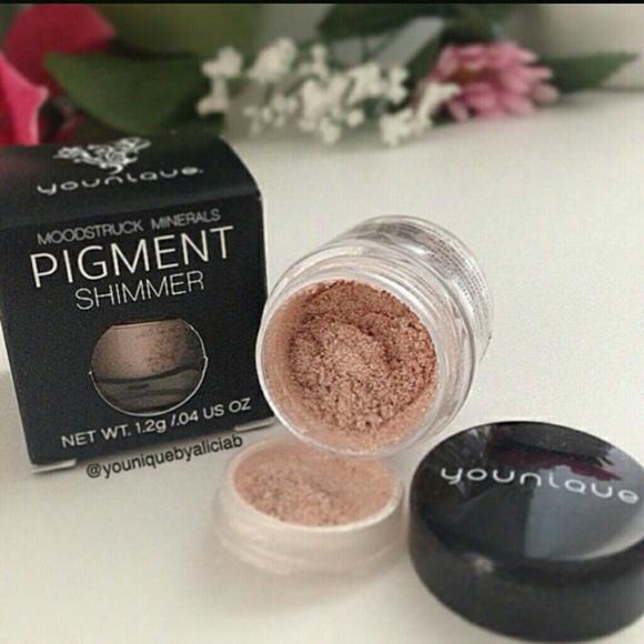 Moodstruck mineral pigments sexy