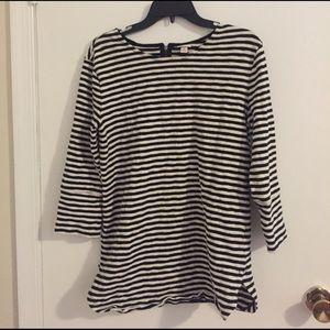 Size medium Merona  3/4 sleeve top. Black/white