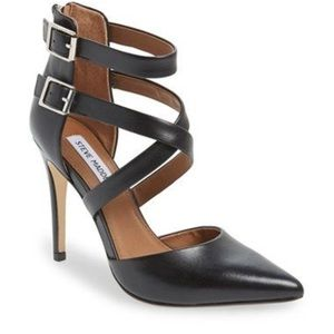 Steve Madden Shoes - Gorgeous Steve Madden black pumps