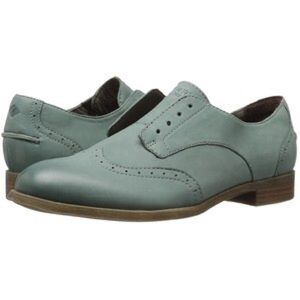Sperry oxfords (blue leather)
