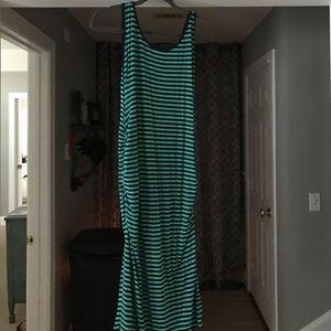 Side rushed maternity dress