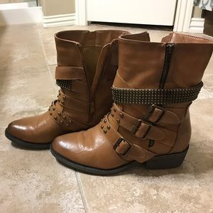 bumper Shoes - Buckled booties