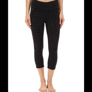 Lucy Pants - Lucy Hatha capris cropped legging black size M