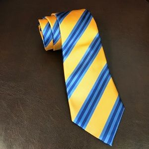 David Donahue Other - David Donahue classic silk tie, perfect condition