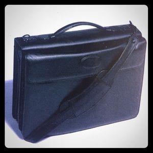 Dunston Other - SALE: Black Leather Zip Portfolio Case 💼