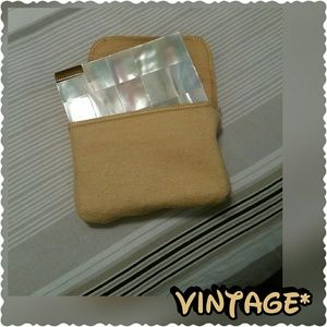 Handbags - Vintage beauty compact