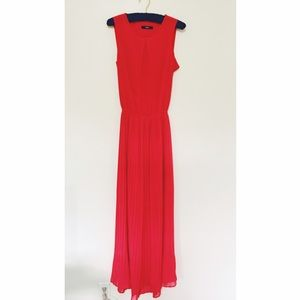 Oasis Dresses & Skirts - Beautiful Oasis Red Maxi Dress with Cut-Out Back