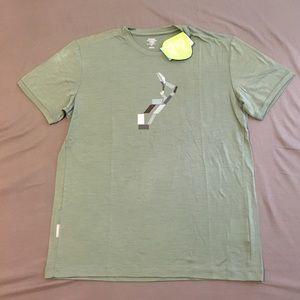Icebreaker Other - Icebreaker Green SF 150 Tech Lite Surf T-shirt