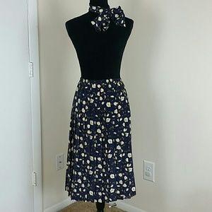 Leslie Fay Dresses & Skirts - Leslie Fay Vtg Pleated Navy Blue & Cream Ivory 6P