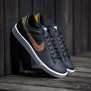 Nike Shoes - NWT Nike tennis classic premium