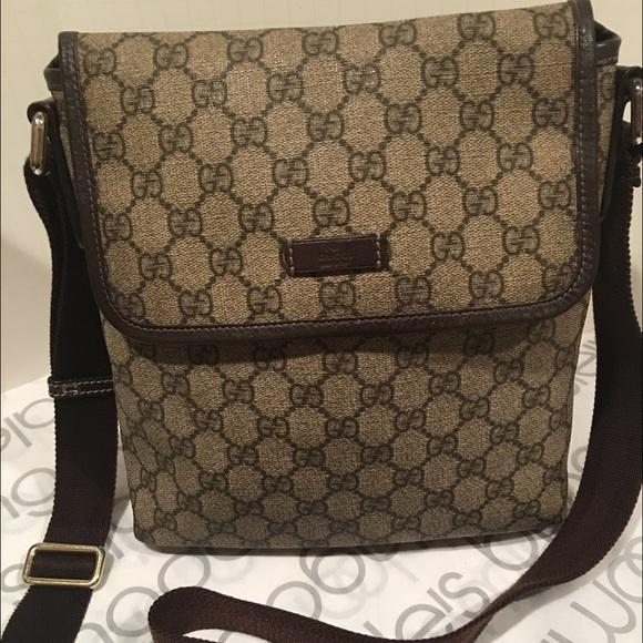 e1ec9b41c3b Gucci Handbags - Gucci Guccissima GG leather unisex crossbody bag