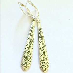 Jewelry - Simple and elegant silver etched earrings.