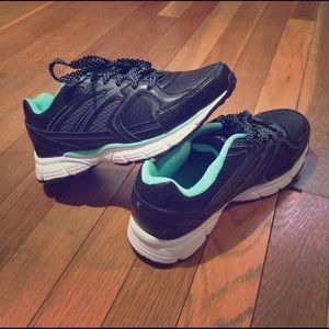 Danskin Now Shoes - NWOT Teal Tennis Shoes