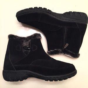 Khombu Shoes - NEW black winter boots size 9