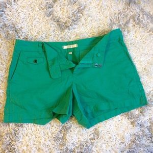 kelly green shorts 🦎
