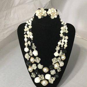 Gorgeous Black, White & Gold Necklace Set