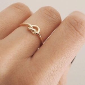 Jewelry - NEW✨ knot ring 14k gold rosegold silver size 6.5