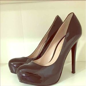 Shoes - Pour la victoire patent leather pumps - size 7
