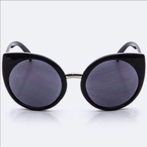 WILA Accessories - Cat 🐱 Eye 👀 Sunglasses in Black