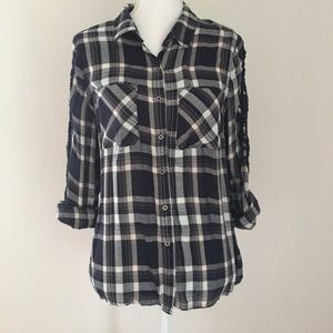 Skies Are Blue Stitch Fix button down top NWOT