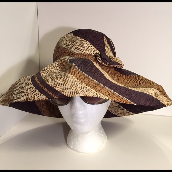 Anthropologie Accessories - Onigo 100% raffia handmade in Madagascar sun hat e416fe43411b