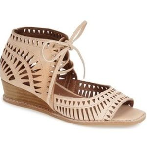 Jeffrey Campbell Shoes - Jeffrey Campbell rodillo short wedge 9.5