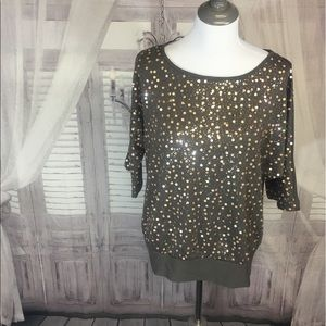 Grey shirt with silver sequins