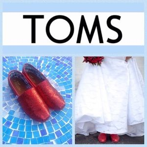 TOMS Other - ✨HP✨NEW TOMS Classic Glitter slip-on shoes in red