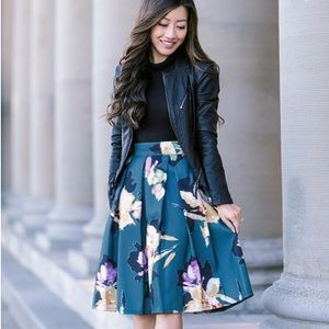 Chicwish Dresses & Skirts - Floral Pleated Skirt