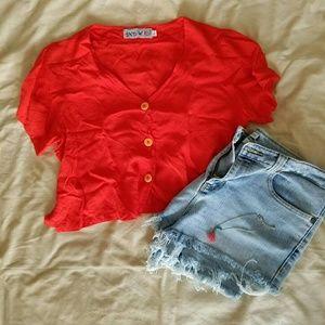 ✌90s Button Crop Top