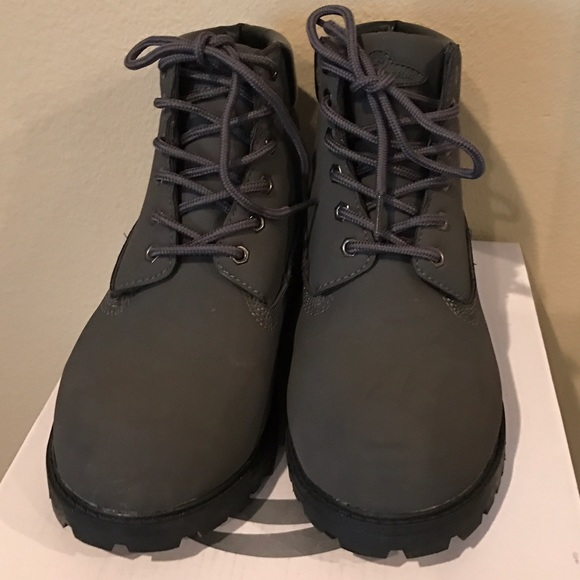 400e89b9232 Like new: Charcoal gray/black. Size 4.5 Phat Farm NWT